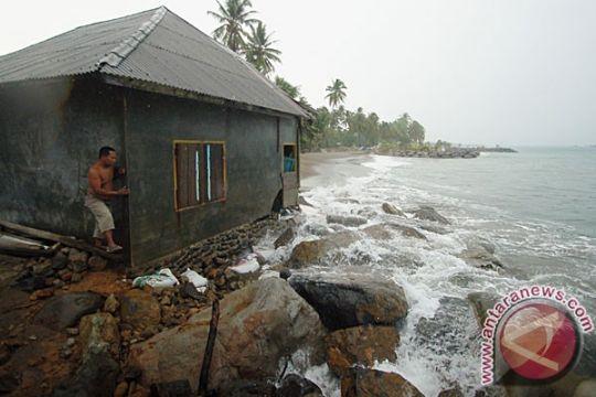 Air laut naik beberapa meter ancam Kolbano di NTT