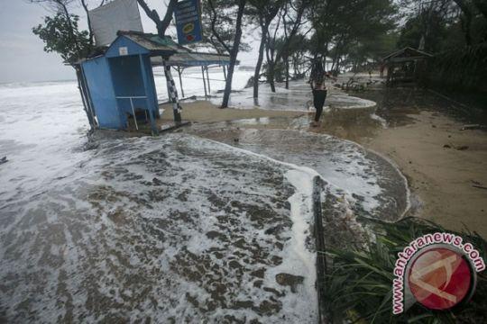 Gunung Kidul tata kawasan wisata pantai pascahantaman gelombang pasang