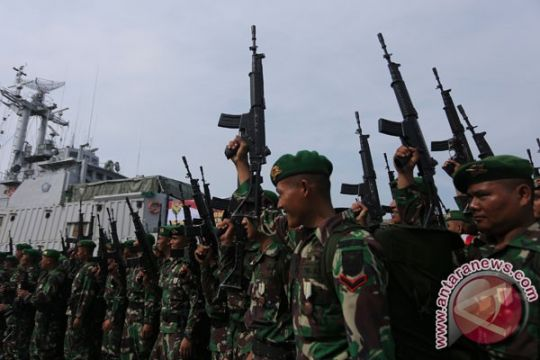 450 prajurit TNI Putussibau berangkat ke Papua