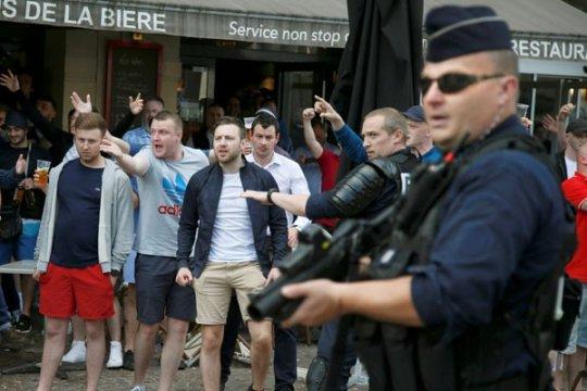 Euro 2016 - Keributan kecil pecah di Lille antara pendukung Rusia dan Inggris