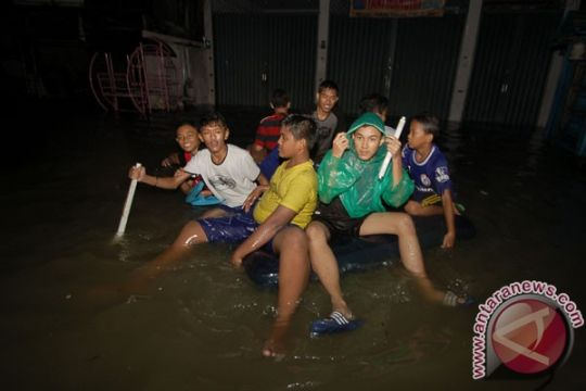 Banjir genangi puluhan rumah di Pesisir Selatan