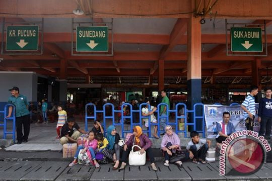 Puncak mudik terminal Kampung Rambutan diperkirakan H-3
