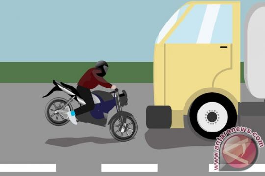 Pengendara sepeda motor tewas setelah terserempet