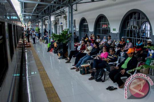 Tiket kereta api tujuan Purwokwerto - Jakarta nyaris habis terjual