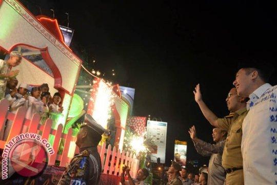 2.300 orang ikuti pawai Takbiran di Makassar