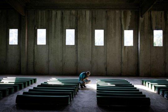 Penyintas cari belulang korban tewas pembantaian Srebrenica