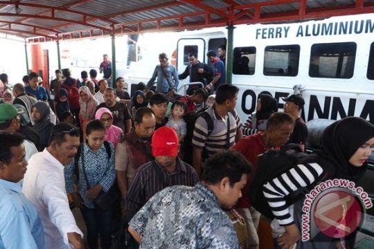 Lahan parkir Pelabuhan Tanjungpinang kurang memadai
