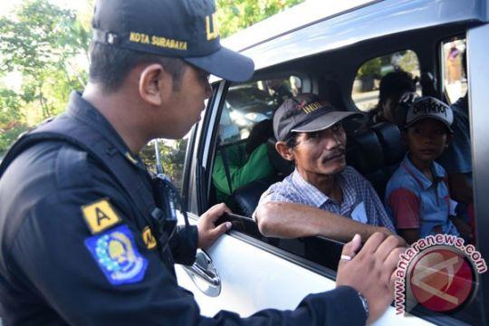Surabaya pulangkan 81 penyandang masalah sosial ke daerah asal