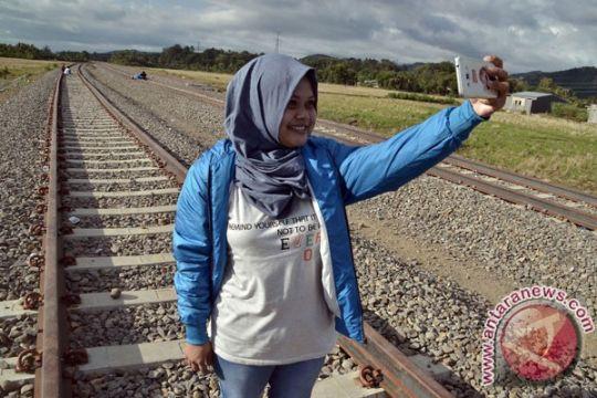 Gubernur Sulsel berharap kereta Trans Sulawesi diuji coba Oktober