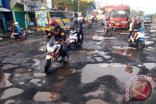 Waspadai ratusan lubang sepanjang jalan Yogyakarta-Wonosari