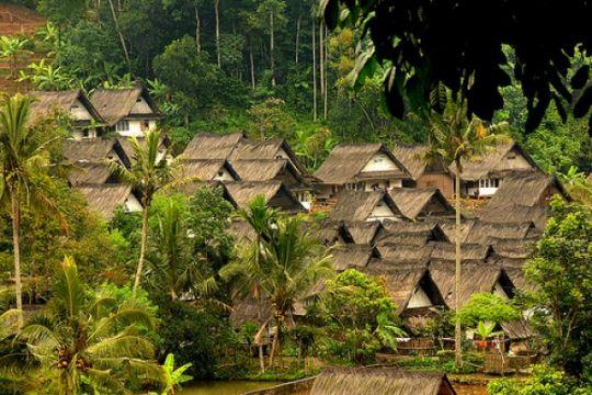 Kampung Naga, harmoni alam di tengah kemacetan Lebaran