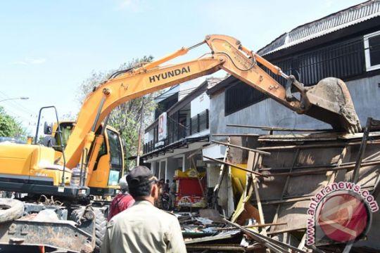 Pemkot Surabaya tertibkan 840 banggunan liar