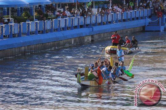 Lomba perahu naga semarakkan HUT ke-724 Surabaya