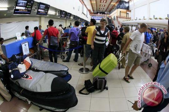 Imigrasi Padang tangkap seorang PNS diduga pungli