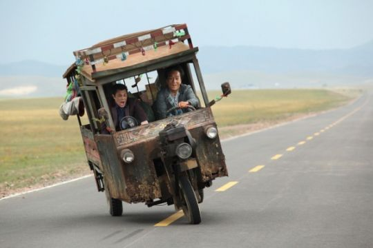 """Skiptrace"" film laga berbalut keindahan alam Gurun Gobi"