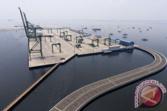 Kapal besar tidak usah ke Singapura setelah Pelabuhan Kalibaru beroperasi