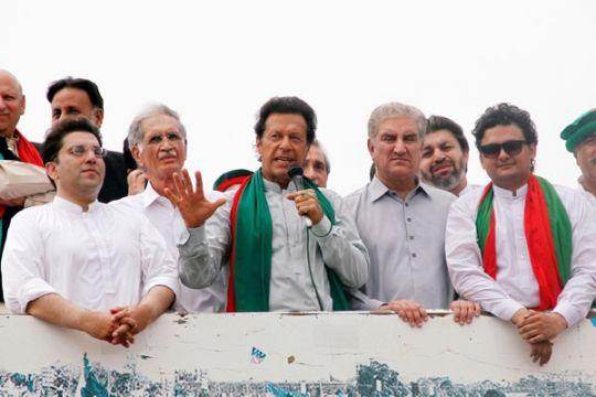 Mantan bintang kriket Pakistan resmi jadi perdana menteri