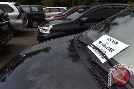 Belum ada taksi daring uji kir di Cirebon