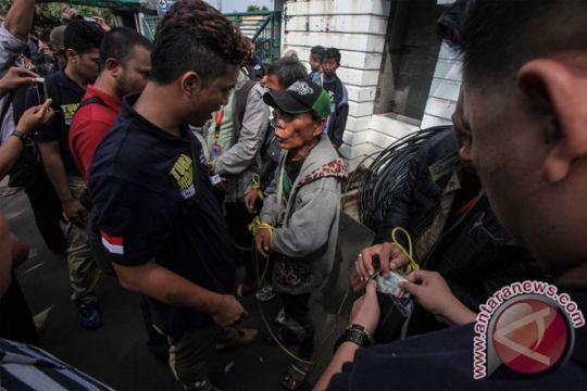 Polisi amankan 75 pria dari Yayasan Trisakti