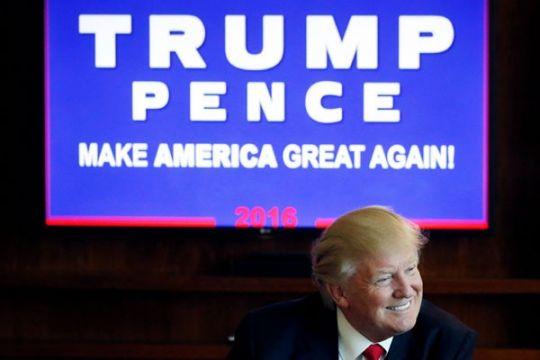 Pada debat cawapres, pasangan Donald Trump malah ejek Vladimir Putin