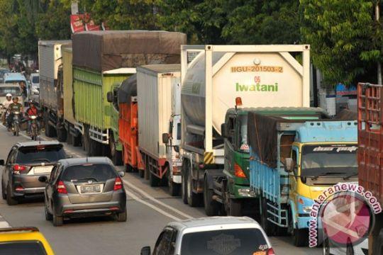 Truk besar dilarang melintasi Sukabumi mulai Minggu