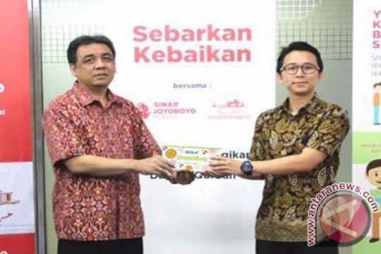 "Masjid Istiqlal dapat bantuan ribuan kantung plastik ""halal"""