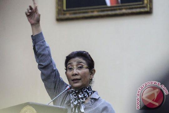 "Menteri Susi restrukturisasi pegawai KKP dengan ""golden shakehand"""