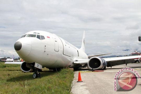 Pesawat tergelincir - penerbangan ratusan penumpang tertunda