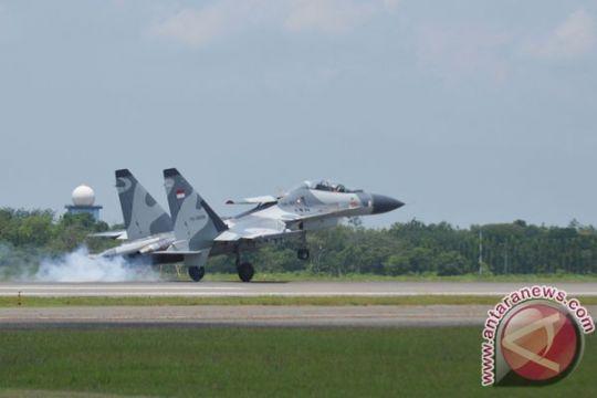 Lima Sukhoi Su-27/30MKI siaga di Batam untuk Angkasa Yudha 2016