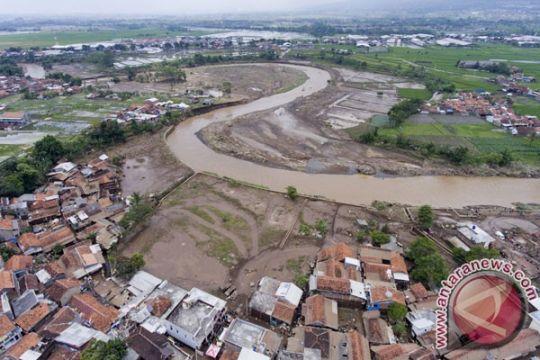 Banjir bandang terjang Garut selatan
