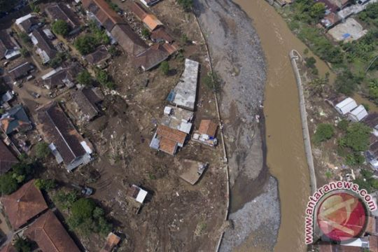 Korban banjir Garut diterapi mengenal alam