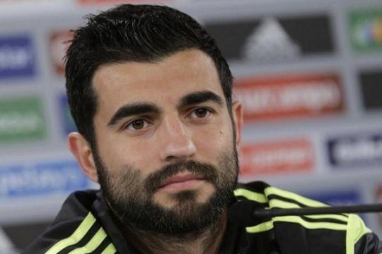Albiol perpanjang kontrak di Napoli sampai 2020