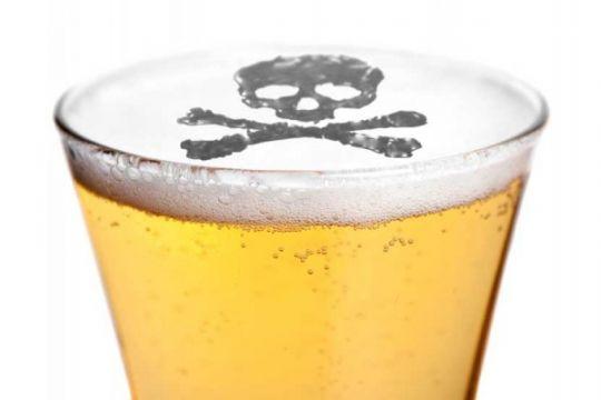 Diduga keracunan minuman bersoda, satu wanita muda meninggal