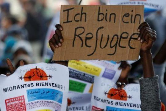 Polisi Prancis dan imigran bentrok di dekat kamp Calais