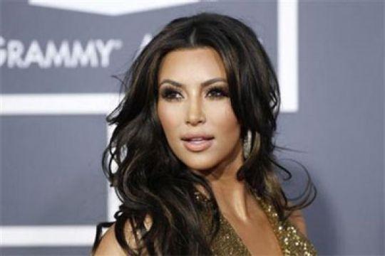Kim Kadarshian dan Kanye West sambut anak ketiga
