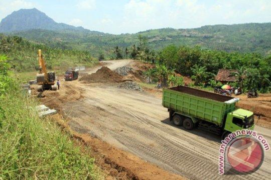 Pembangunan jalan lintas selatan Tulungagung-Trenggalek dilanjutkan
