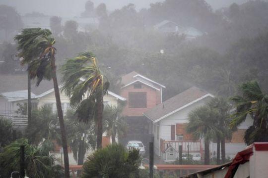 Ratusan orang terjebak banjir North Carolina akibat Badai Matthew