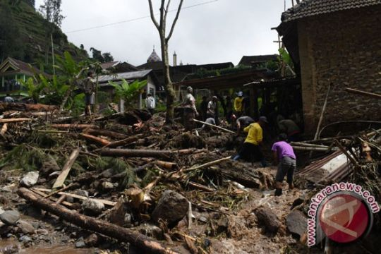 Banjir bandang terjang lereng Gunung Lawu Magetan