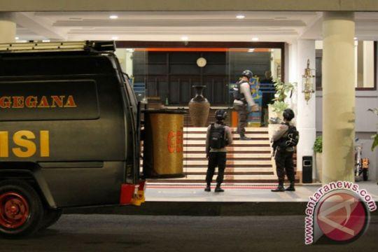 Kantor Cabang BRI Garut diteror bom