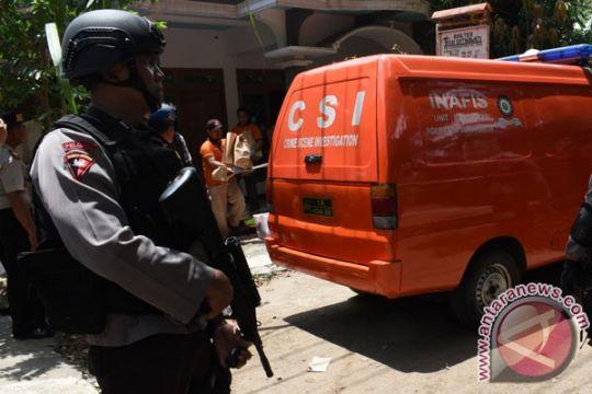 Polisi gerebek rumah terduga teroris di Magetan