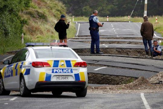 Selandia Baru mulai evakuasi wisatawan dari kota terdampak gempa