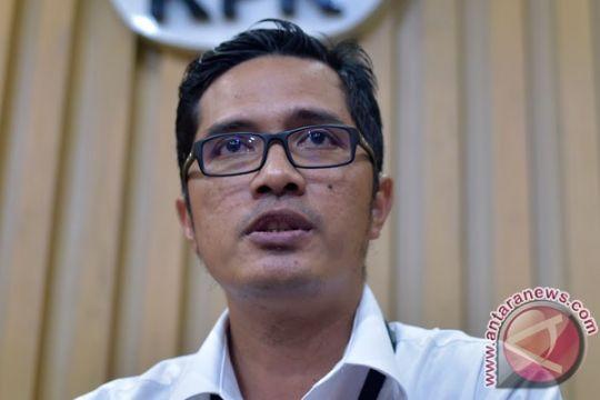 KPK bawa hasil OTT di Surabaya ke Jakarta