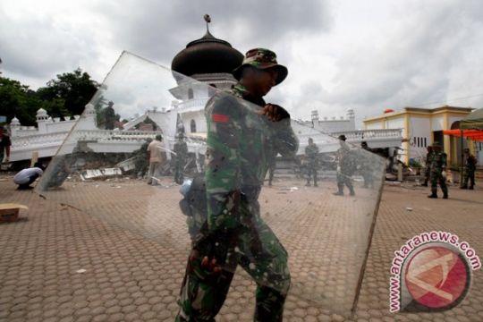 Danrem pimpin pembongkaran pesantren rusak akibat gempa Aceh