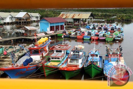 Nelayan Biak Numfor dapat bantuan 120 perahu bermesin