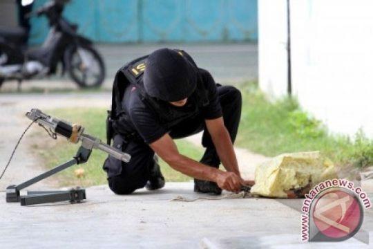 Polisi amankan tas mencurigakan di depan gereja di Semarang