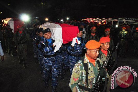 Jenazah korban C-130HS Hercules jatuh dimakamkan TMP Nganjuk