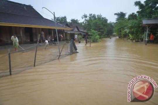 Banjir di Gebang Cirebon karena rob