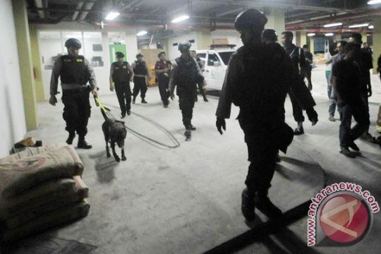 Polisi tangani kotak diduga bom di Transmart Lampung