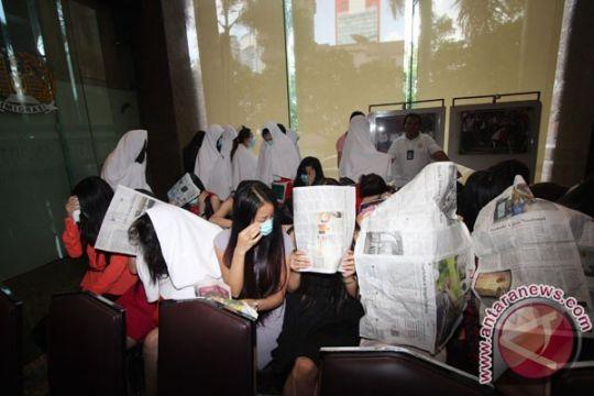 Legislator puji Imigrasi tangkap PSK asal China