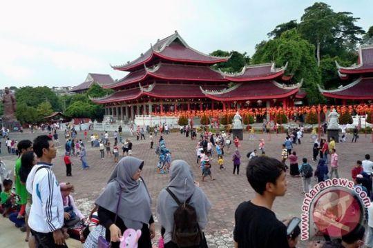 Dubes AS kunjungi Klenteng Sam Poo Kong